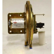 Dwyer Large Diaphragm Differential Pressure Switch 11430